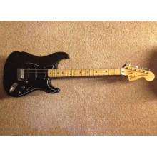 stratocaster77-front