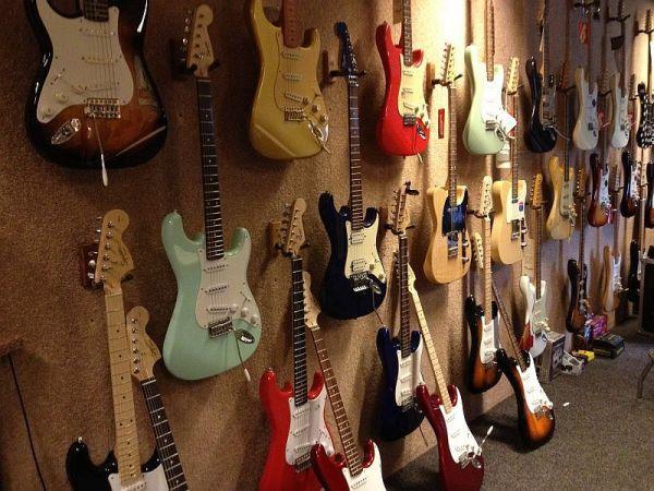 gitaar-gallery-927E0A916-AAB3-0AE3-7E10-483A9D06EC44.jpg